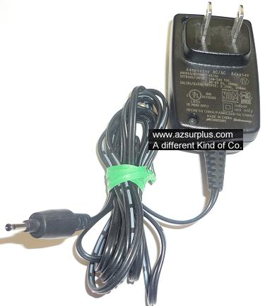 4312A AC ADAPTER 3.1VDC 300mA USED -(+) 0.5x0.7x4.6mm ROUND BARR