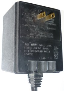 BASLER ELECTRIC BE116230AAB 0021 AC ADAPTER 5V 30VA PLUG-IN CLAS