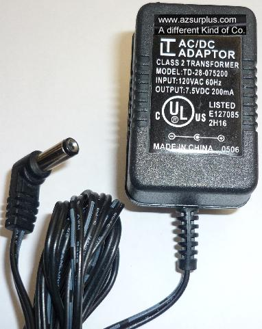LT TD-28-075200 AC ADAPTER 7.5VDC 200mA USED -(+)2x5.5x13mm 90°R
