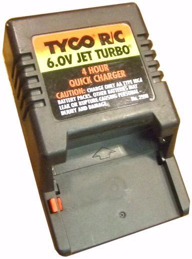 TYCO 2990 CAR BATTERY CHARGER AC ADAPTER 6.75VDC 160mA USED
