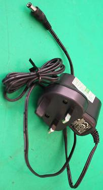ENG 3A-041WE05 AC ADAPTER 5V DC 1A Used 2 x 5.5 x 9.7mm