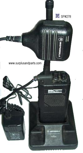 MS P93YPC20C2AA 2 WAY RADIO WITH MOTOROLA CHARGER AND MICROPHON